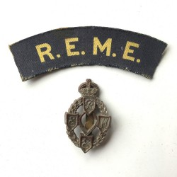 R.E.M.E. - 2 Badges Lot