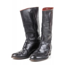 1937 dated officer Boots